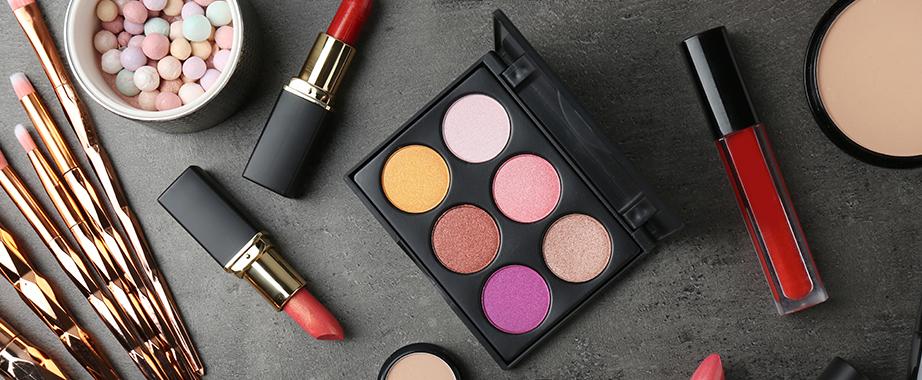 Твій ідеальний make-up: помади, пудри, коректори і консилери, підводки, рум'яна, туші, хайлатери