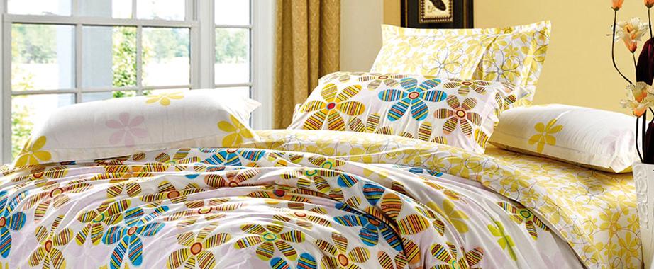 Комплекты постельного белья, полотенца, скатерти, покрывала, одеяла, подушки