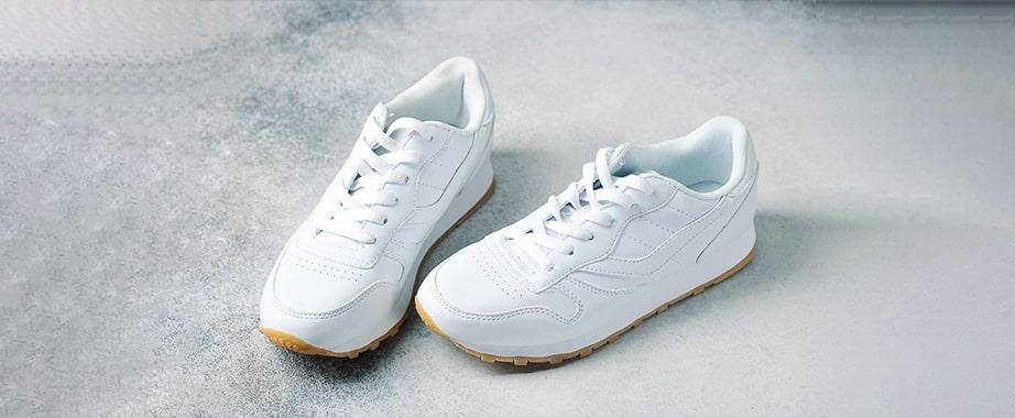 Большой выбор удобной обуви: кроссовки, мокасины, кеды