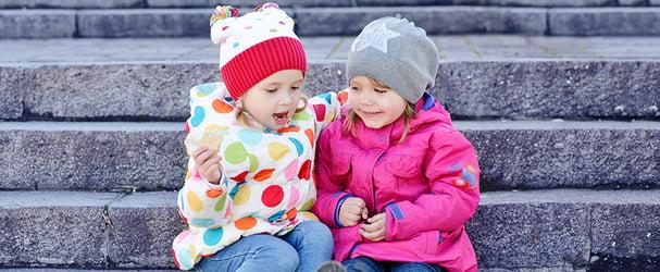Новое поступление детской верхней одежды и шапочек