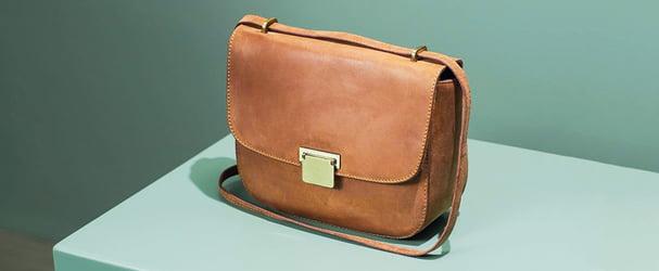 Новое поступление стильных итальянских сумок, рюкзаков и портмоне по доступным ценам