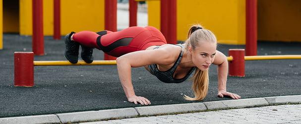 Стильная женская одежда для тренировок