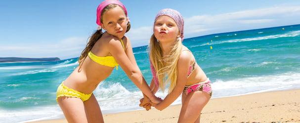 Новое поступление детских купальников и шлёпанцев на лето