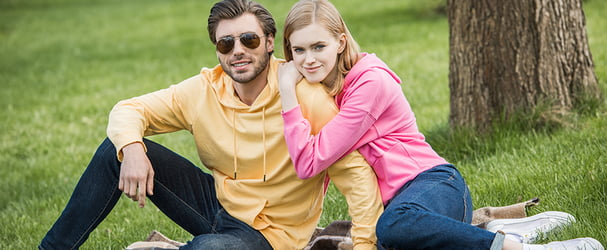 Скидки на стильные спортивные костюмы, гольфы и многое другое для всей семьи