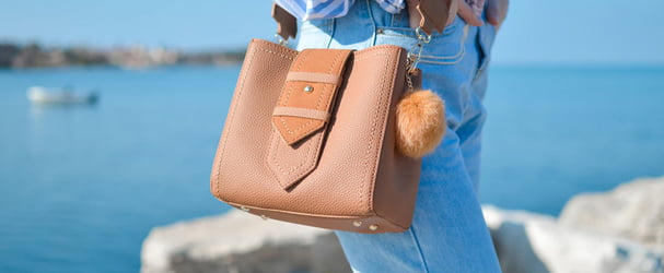 Новое поступление красивых брендовых сумок и аксессуаров