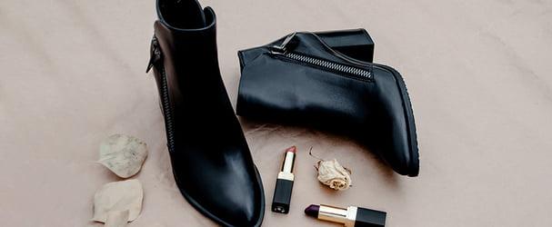 Розпродаж стильного шкіряного взуття: чоботи, черевики, кросівки