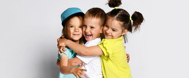 Дитячий одяг для будь-якої пори року за зниженими цінами