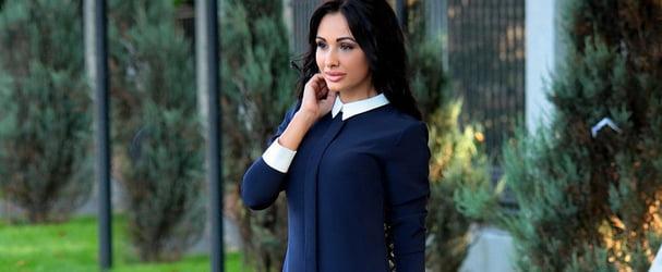 Розпродаж останніх розмірів красивих жіночих нарядів