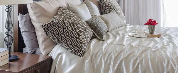 Текстиль для дома: комплекты постельного белья, одеяла, подушки