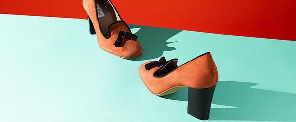 Розпродаж трендового і стильного взуття: туфлі, кросівки, черевики