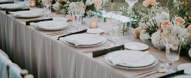 Искусство качественной сервировки стола: бокалы, тарелки, приборы