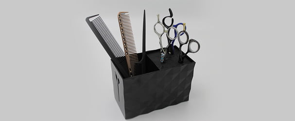 Аксессуары по уходу: маникюрные наборы, масажные щетки, кисти для макияж