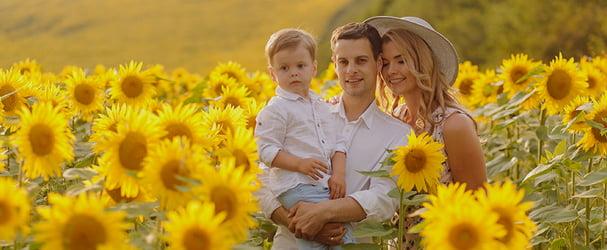 Великий вибір різноманітного одягу для всієї родини
