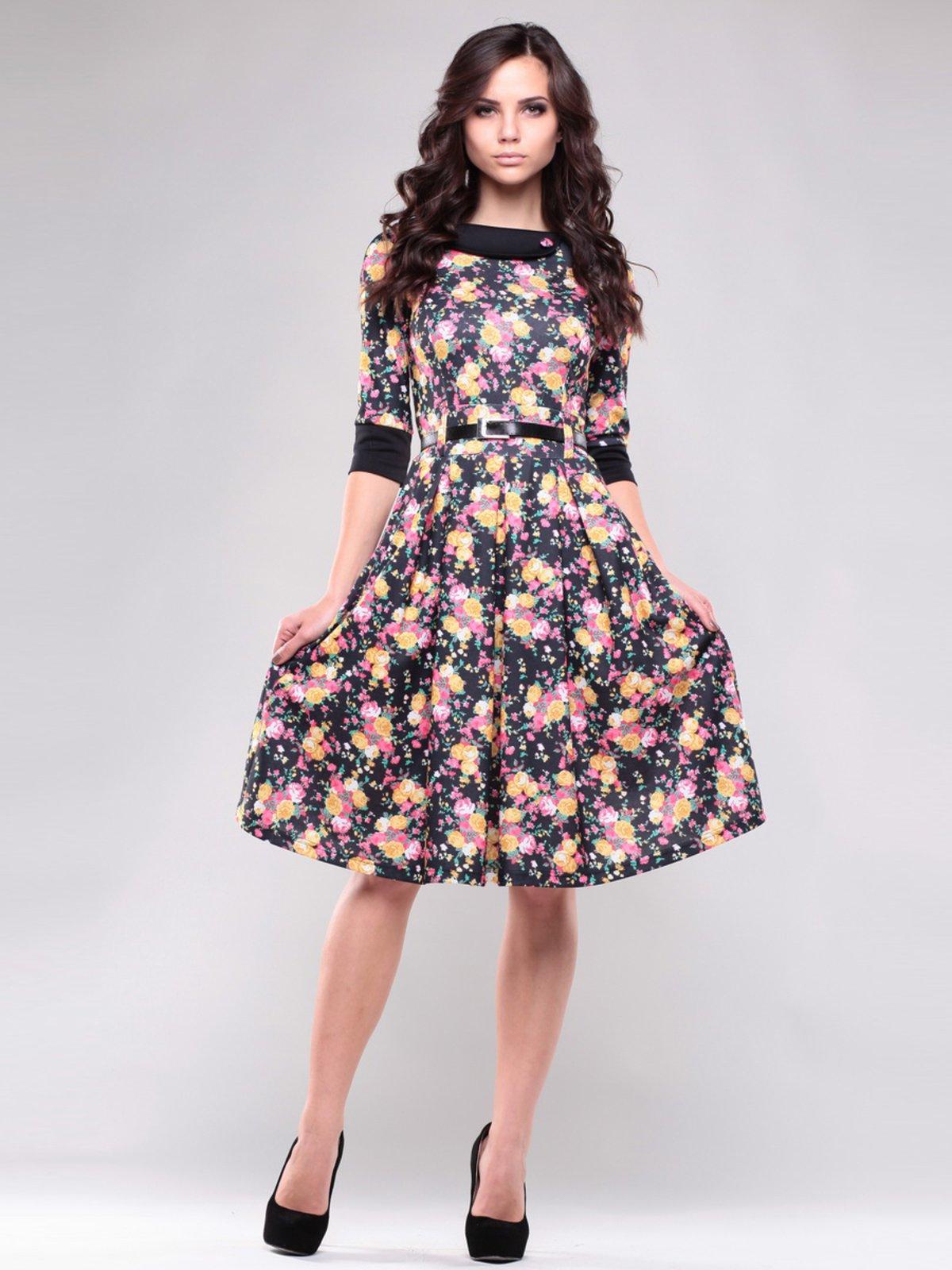 Платье черное в цветочный принт | 1407389