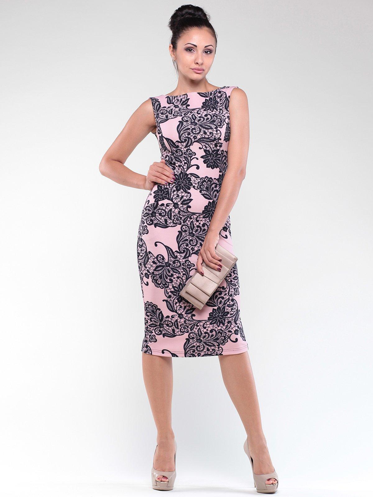 Сукня персиково-чорна в принт | 1842207