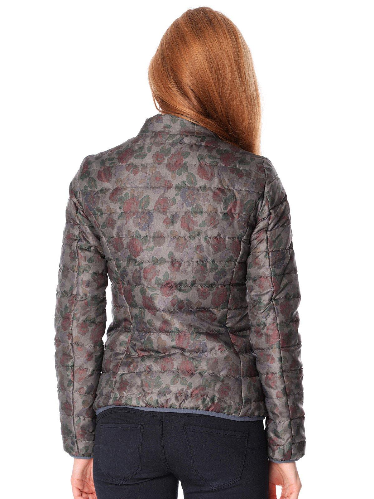 Куртка серая в цветочный принт | 1873944 | фото 2