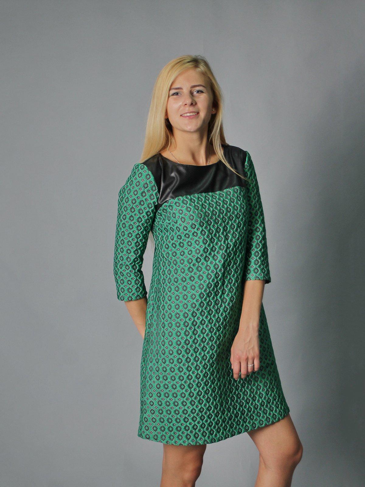 Платье зеленое в принт | 2278994