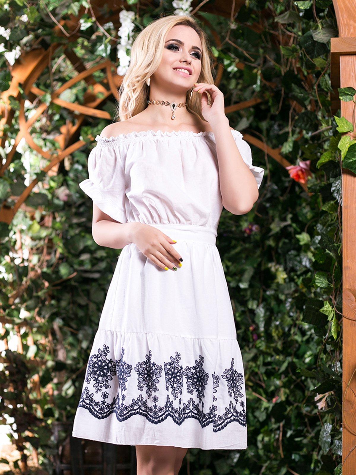 Платье белое с вышивкой | 2401693