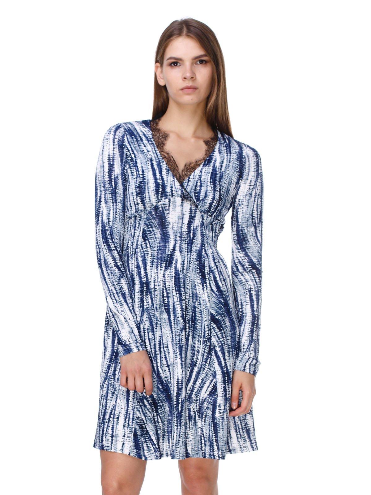 Платье бело-синее в принт | 2660048