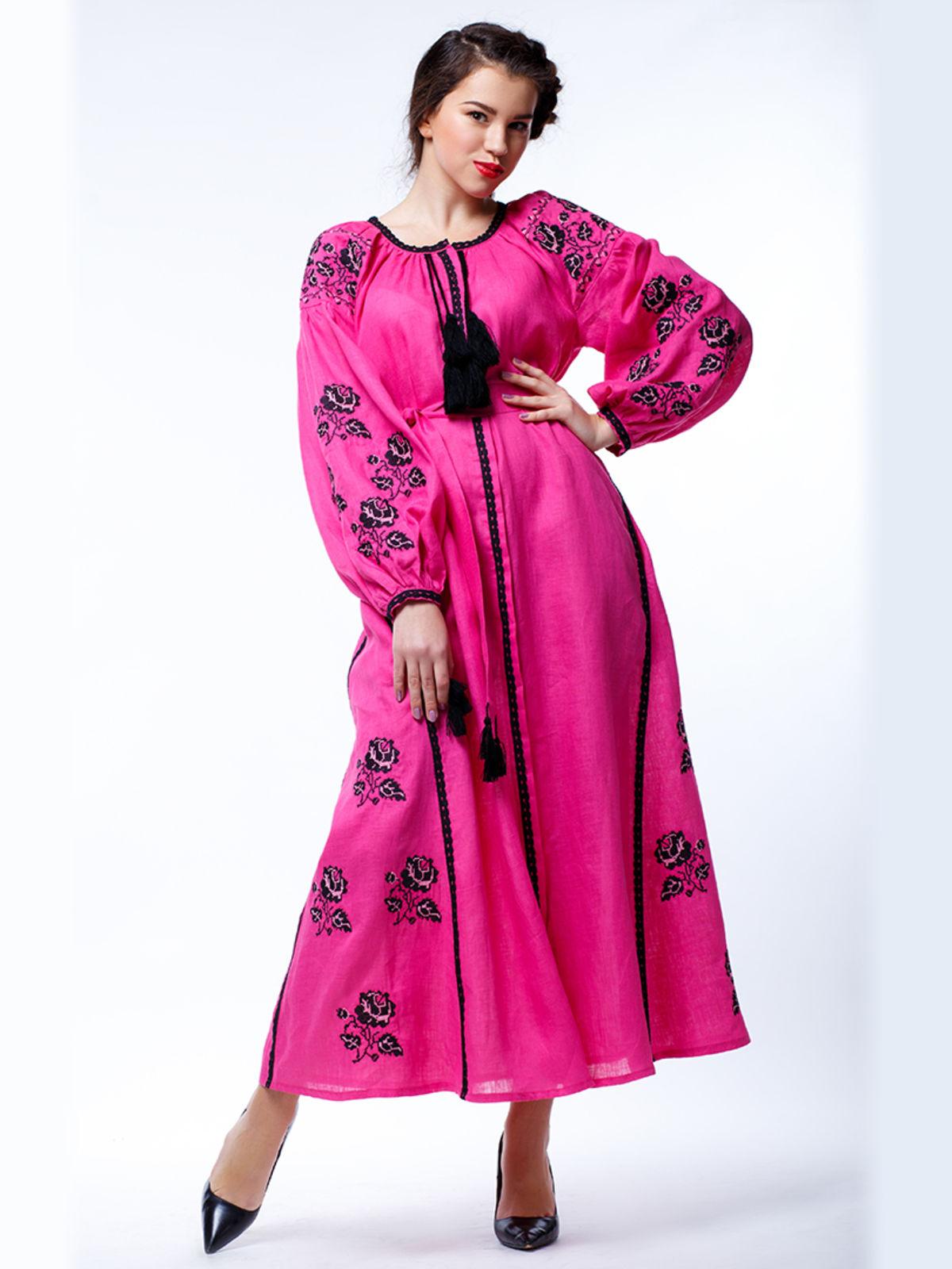 Платье розового цвета с вышивкой | 3513241