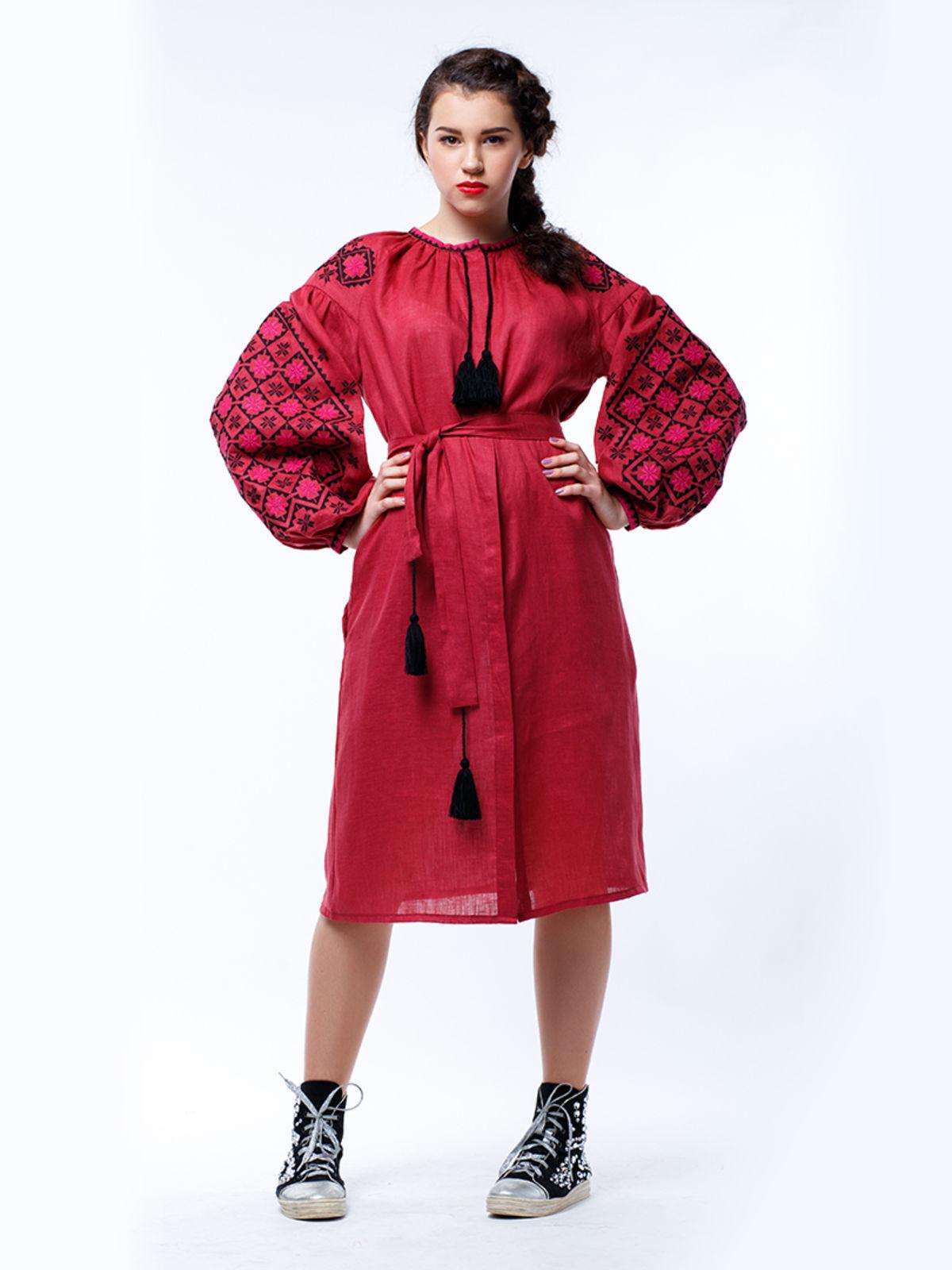 Сукня бордова з вишивкою | 3513273