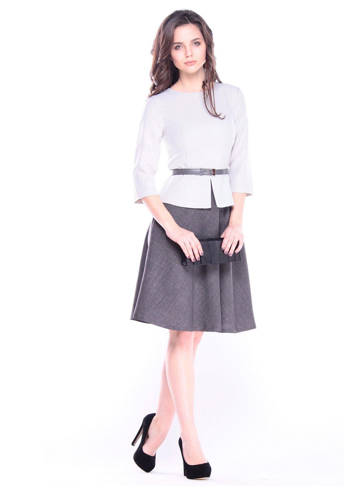Платье бело-серо-графитового цвета | 3172672