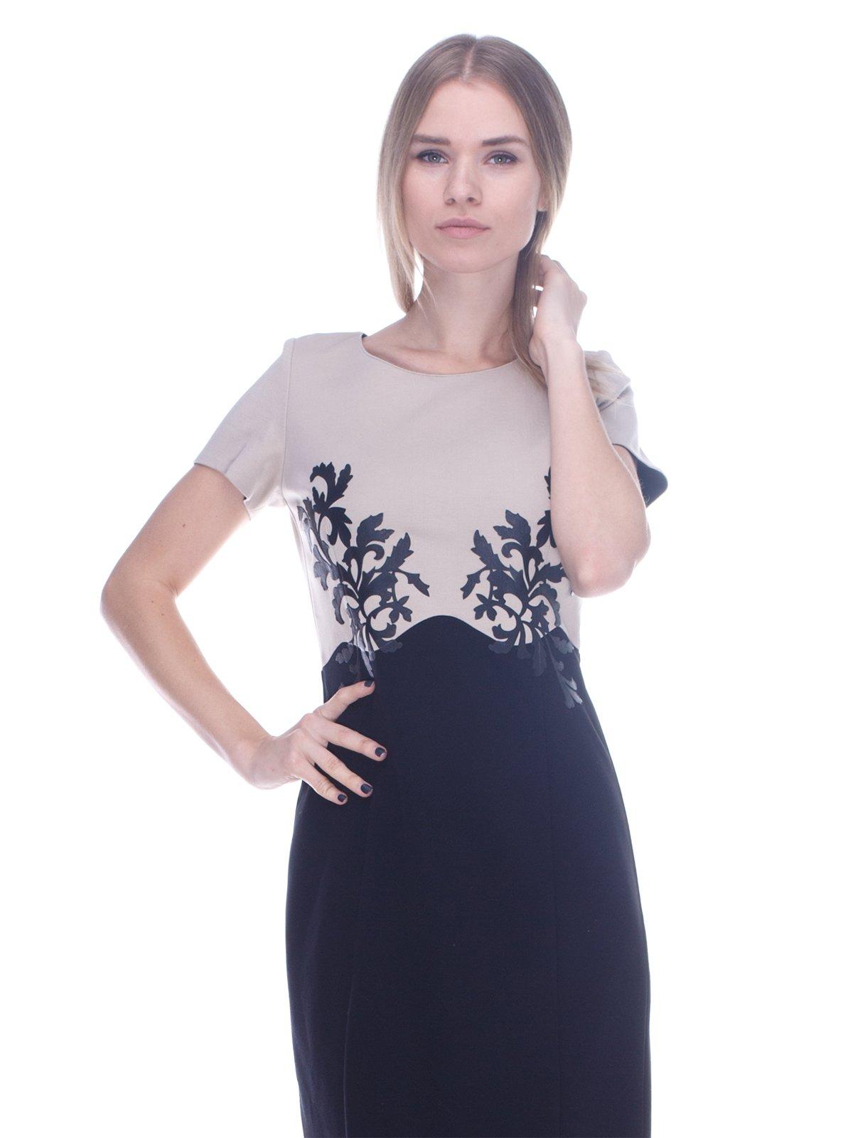 Платье черно-бежевое в принт   3752056