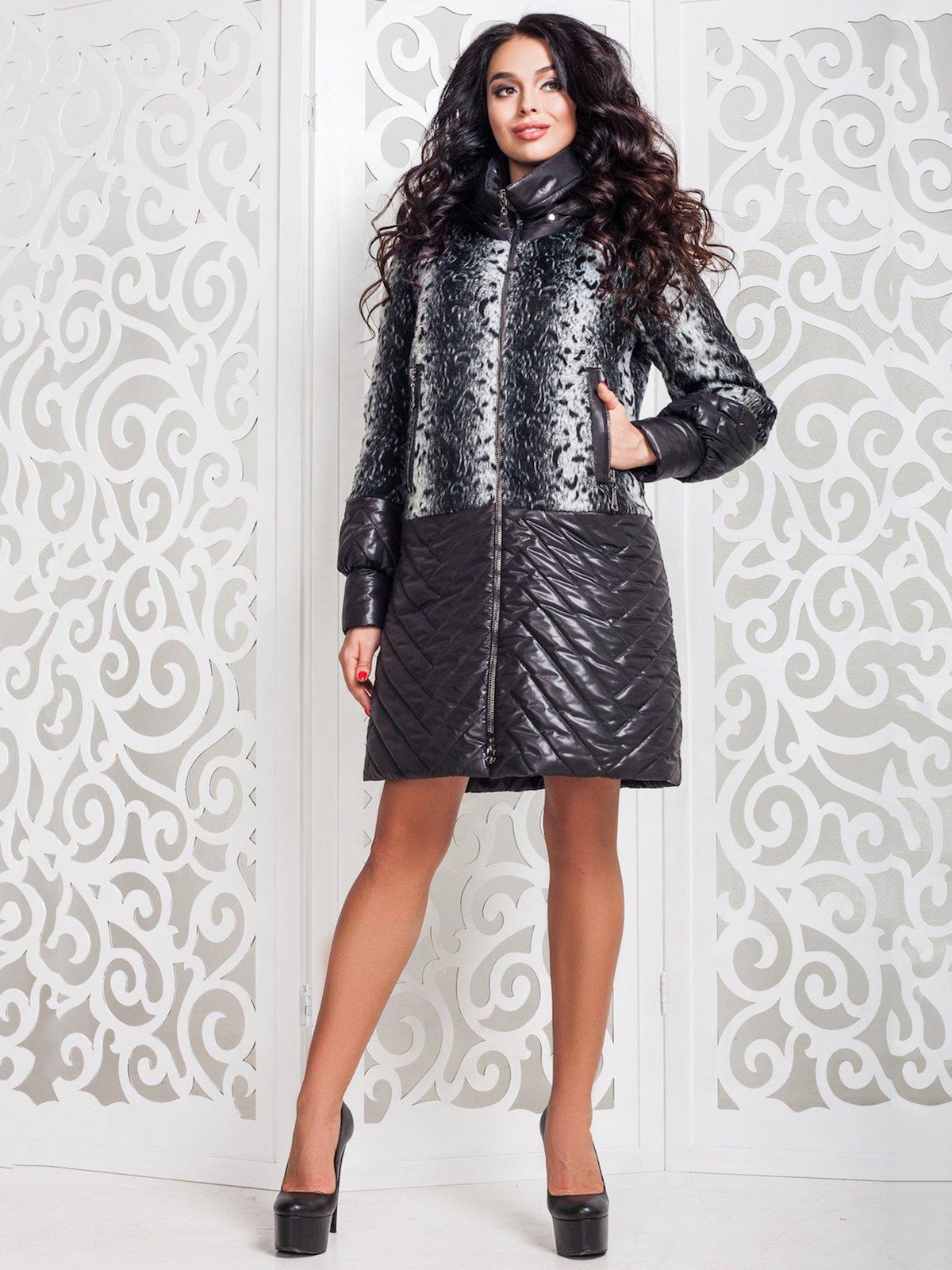 Пальто чорне з принтом | 3810426