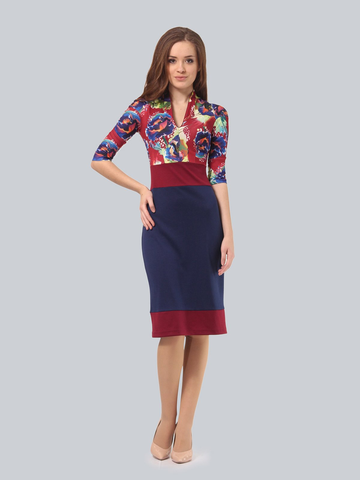 Платье двухцветное с цветочным принтом | 3840422 | фото 2
