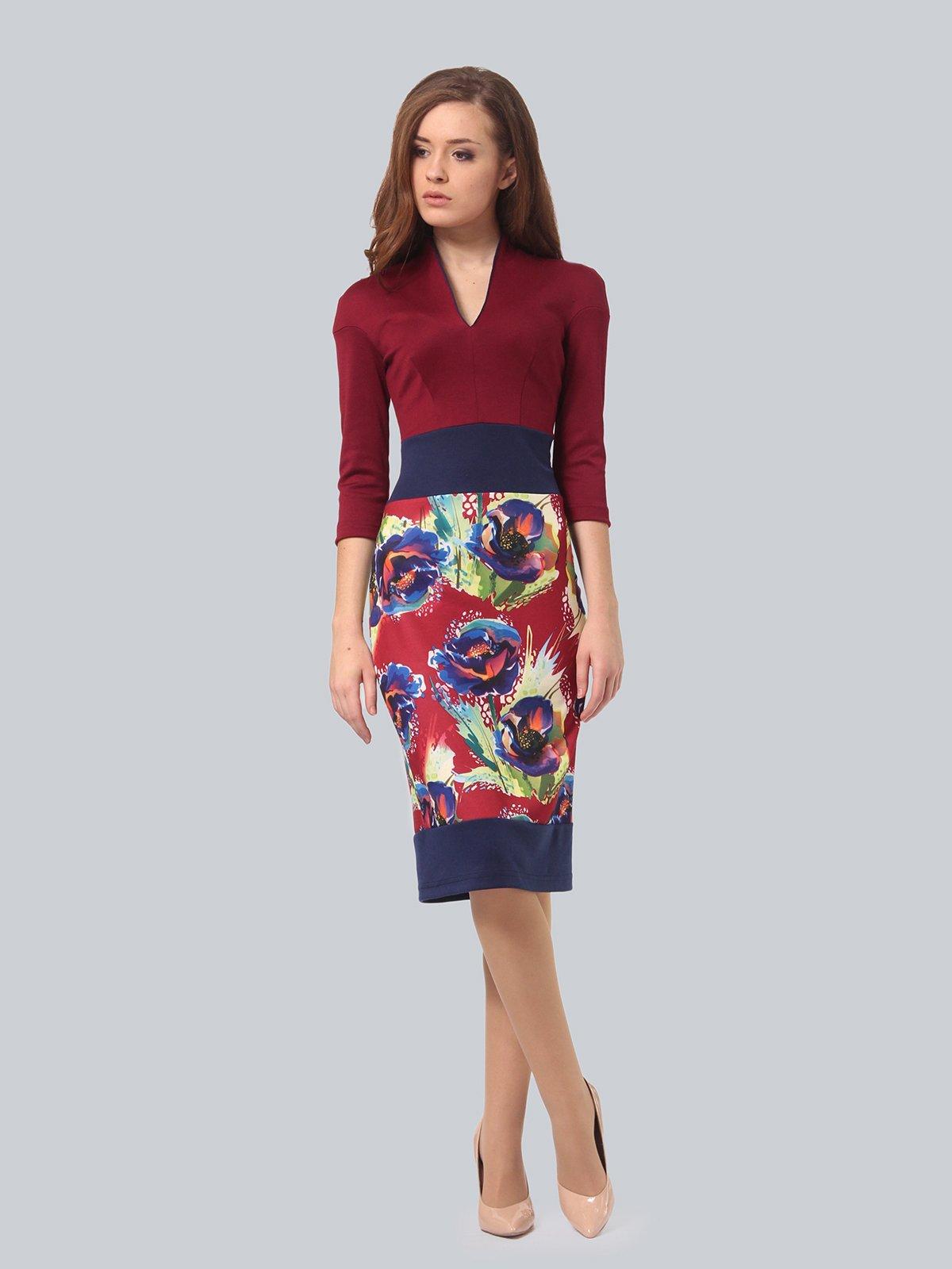 Платье бордовое с цветочным принтом | 3840428
