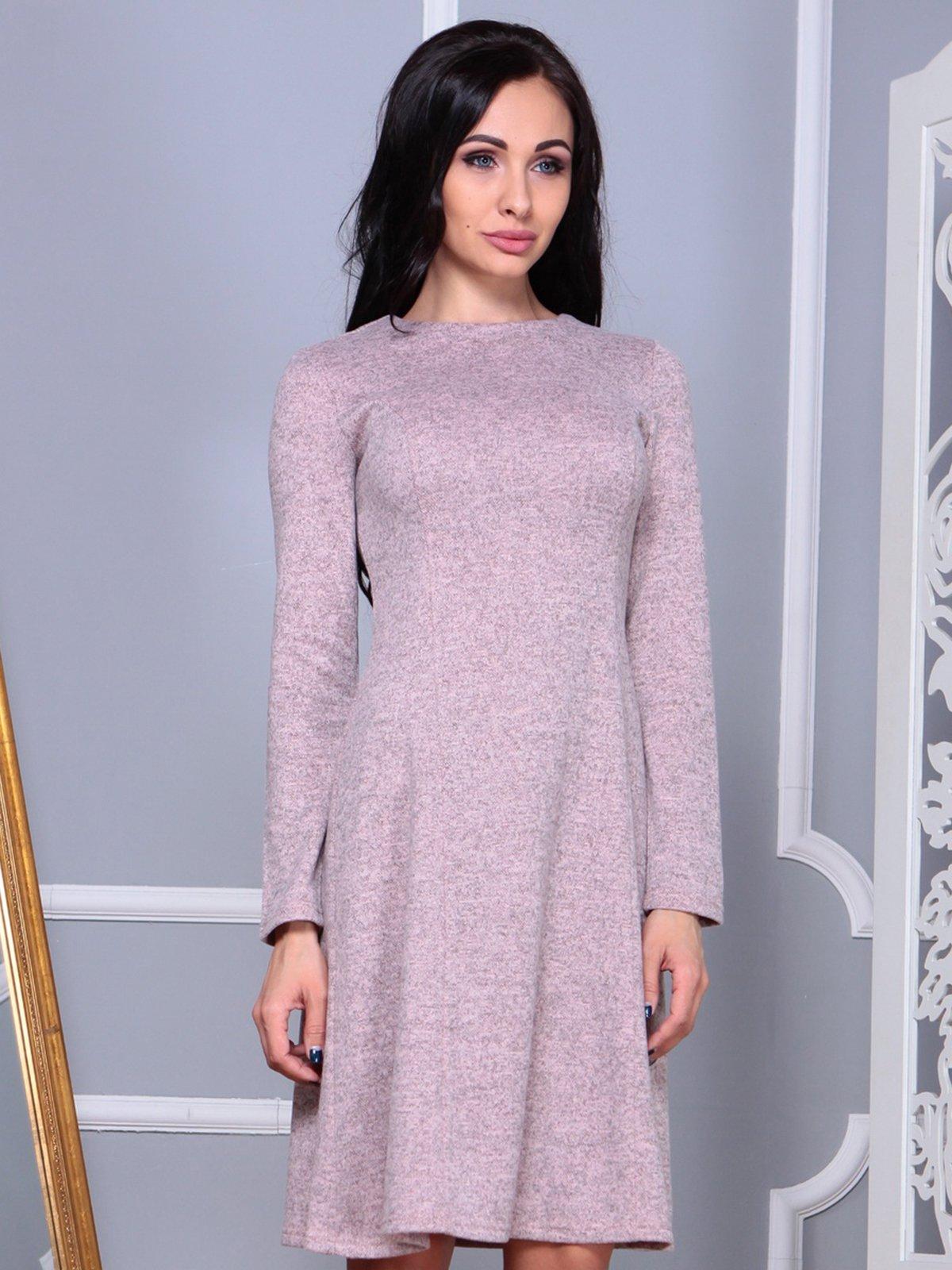 Сукня персикового кольору | 3858525