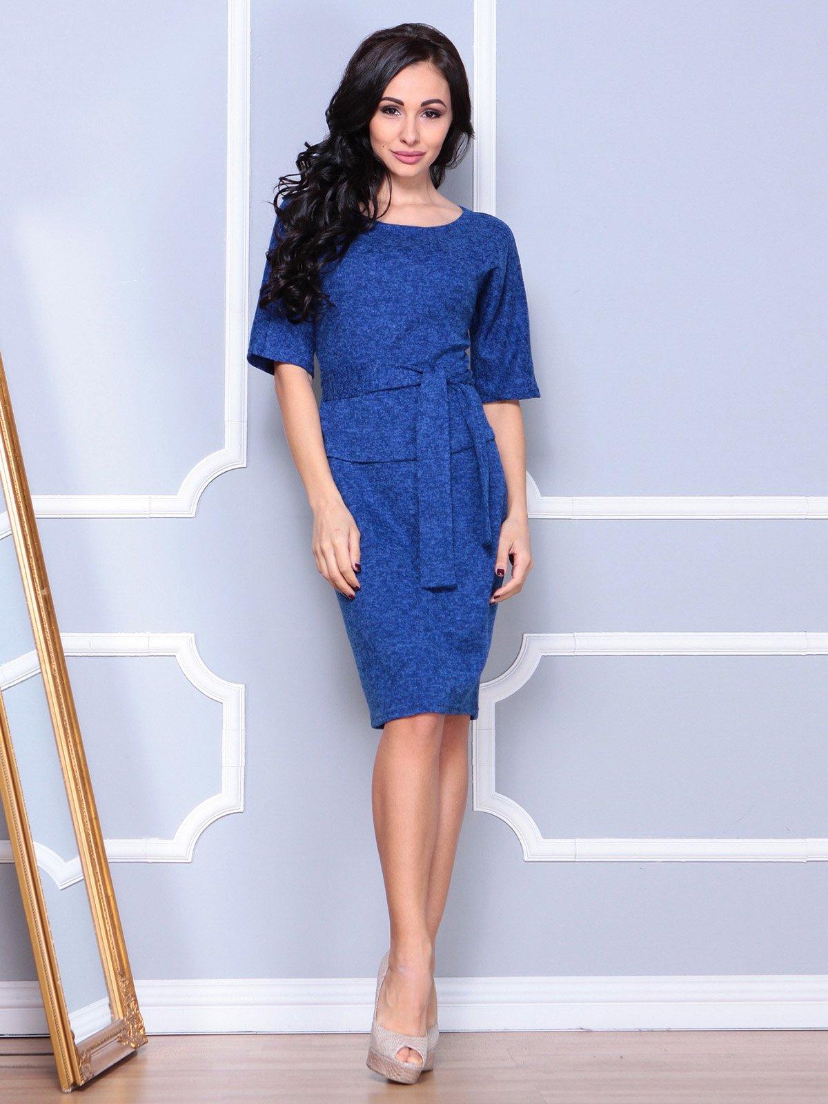 Платье цвета темный электрик | 3904090