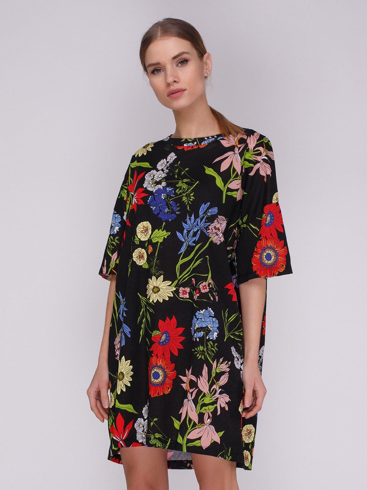 Сукня чорна в квітковий принт | 3912395
