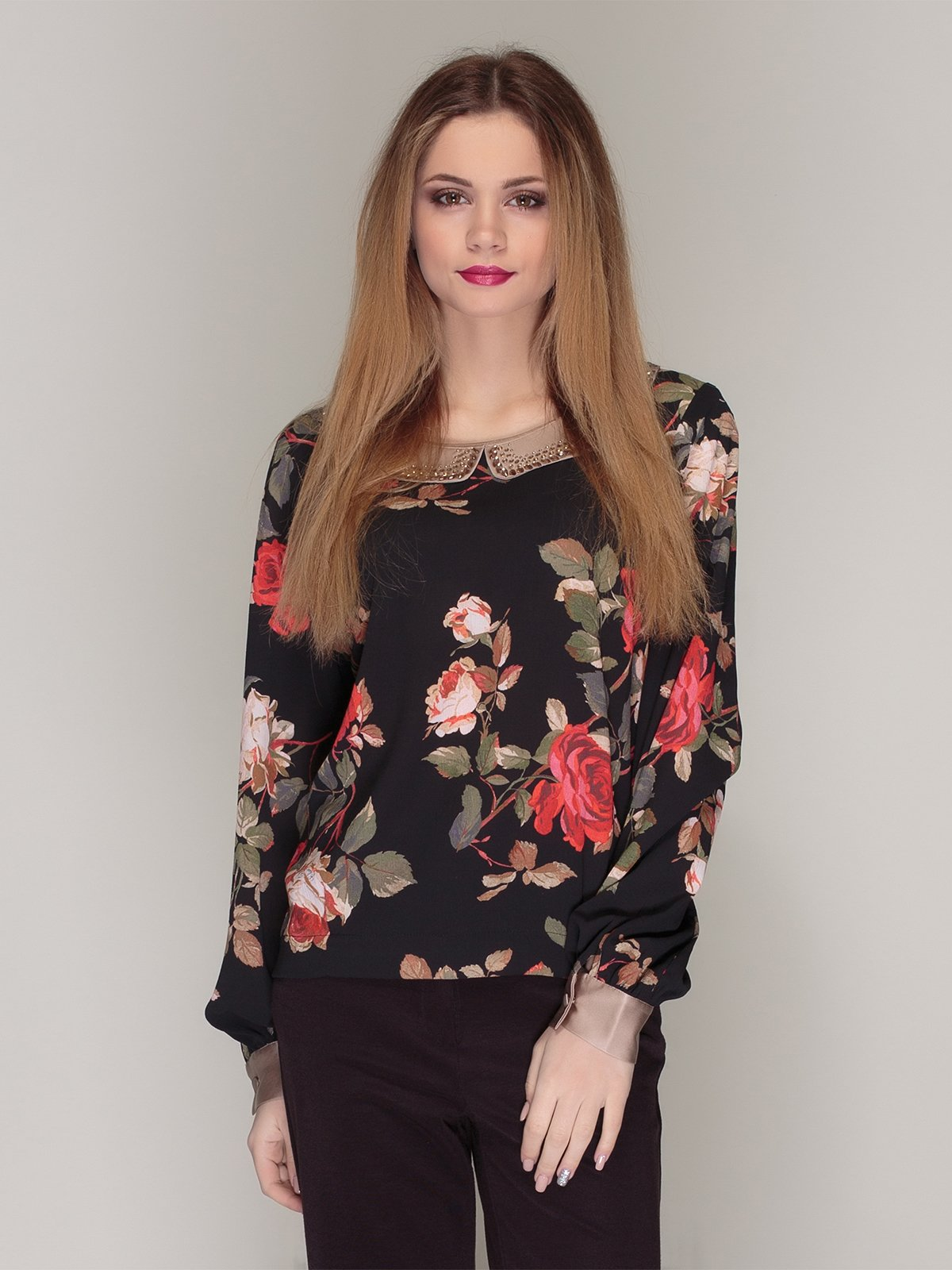 Блуза чорна в квітковий принт | 4009644