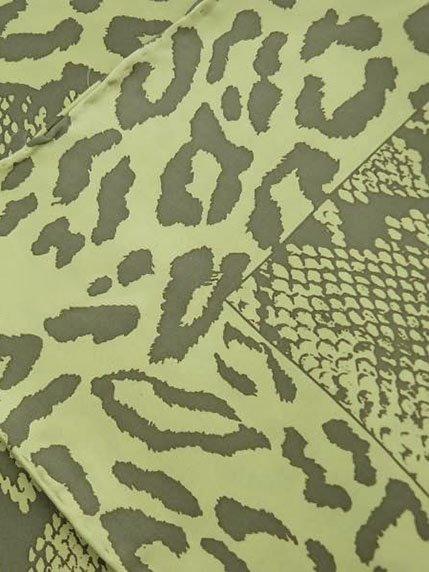 Платок зеленый в принт шелковый | 4058385
