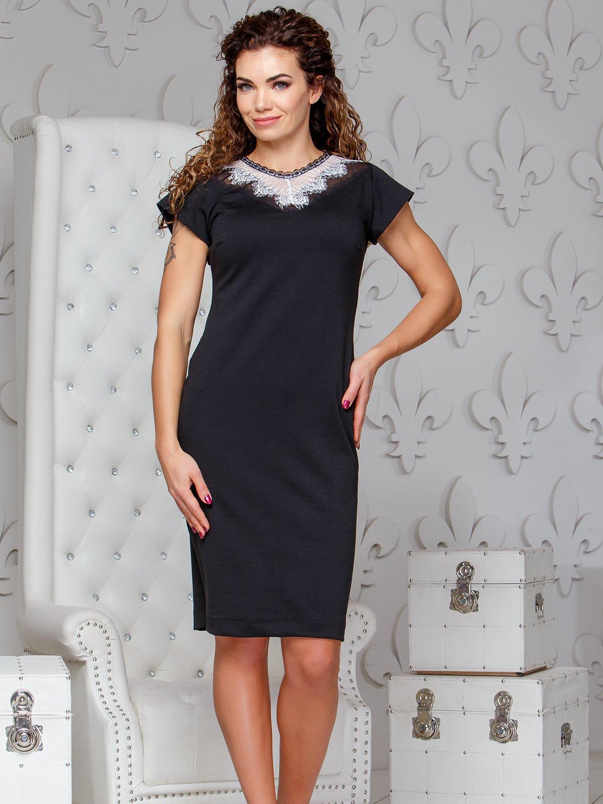 Сукня чорного кольору з білим мереживом | 4066362
