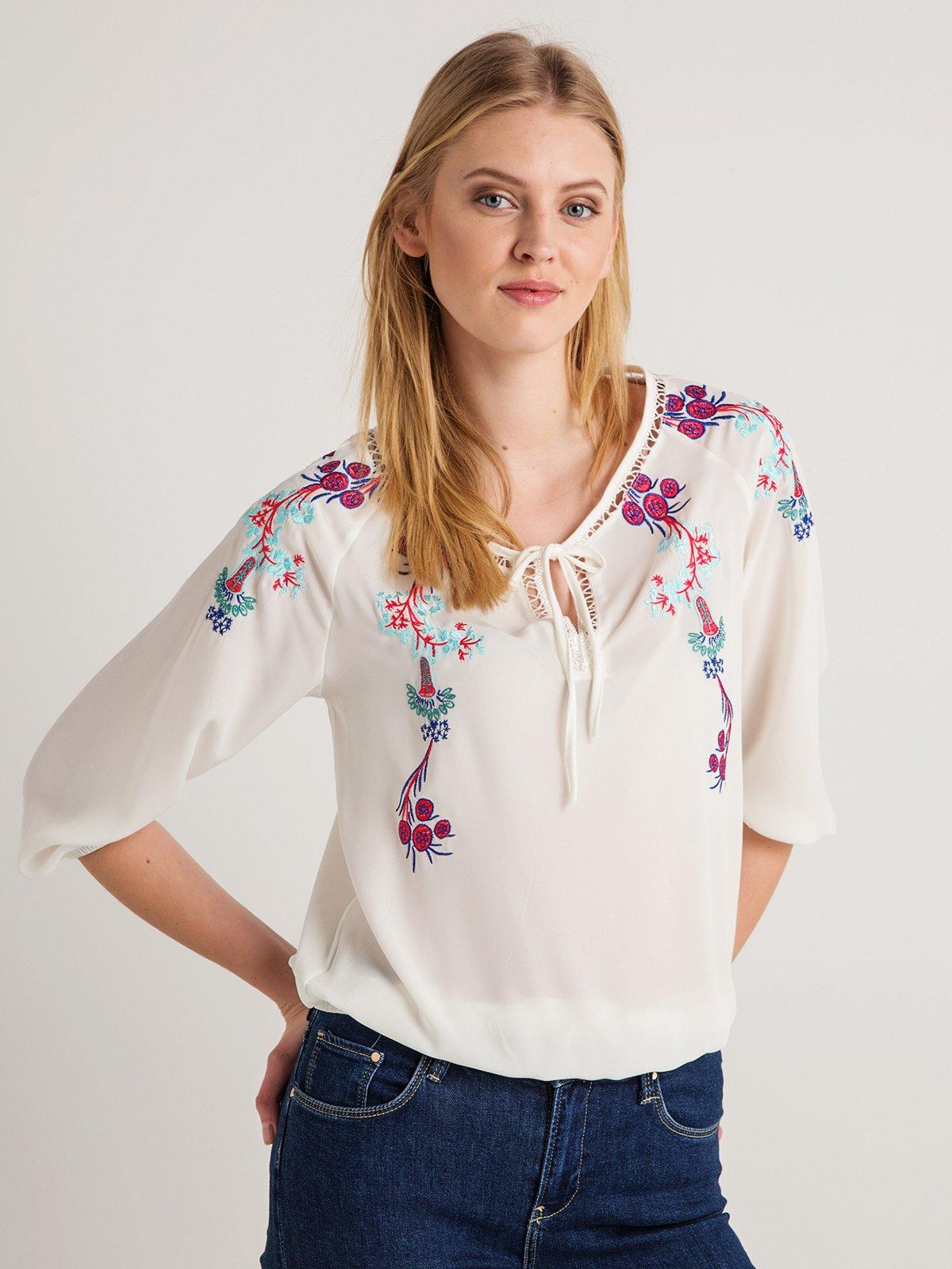 Блуза кремового кольору з вишивкою | 4090173
