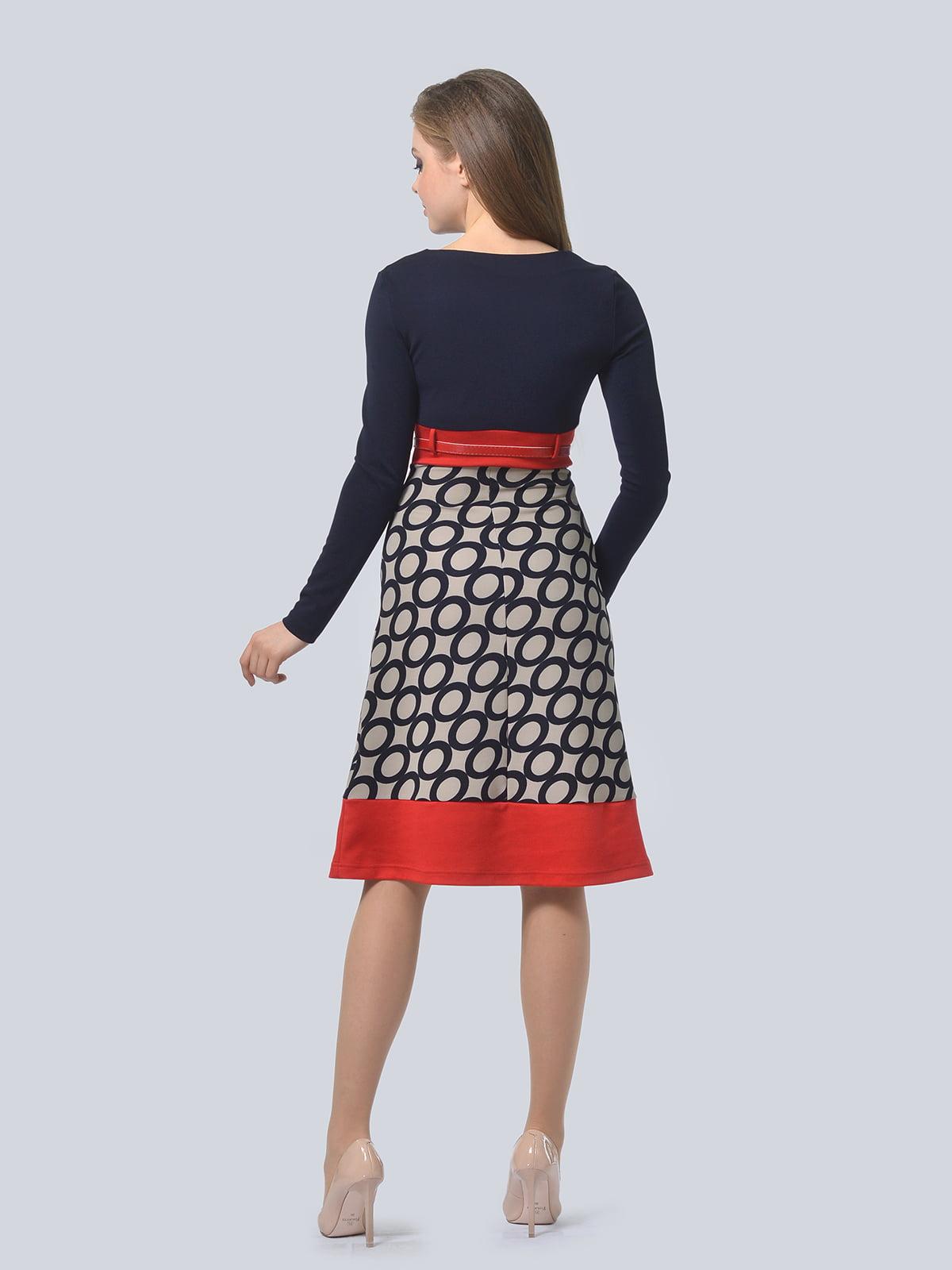 Платье темно-синее с принтом | 4103044 | фото 2