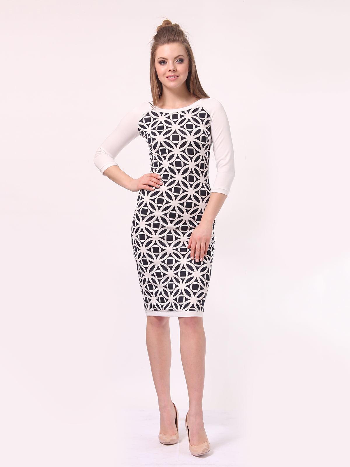 Платье молочного цвета в принт | 4142216 | фото 2