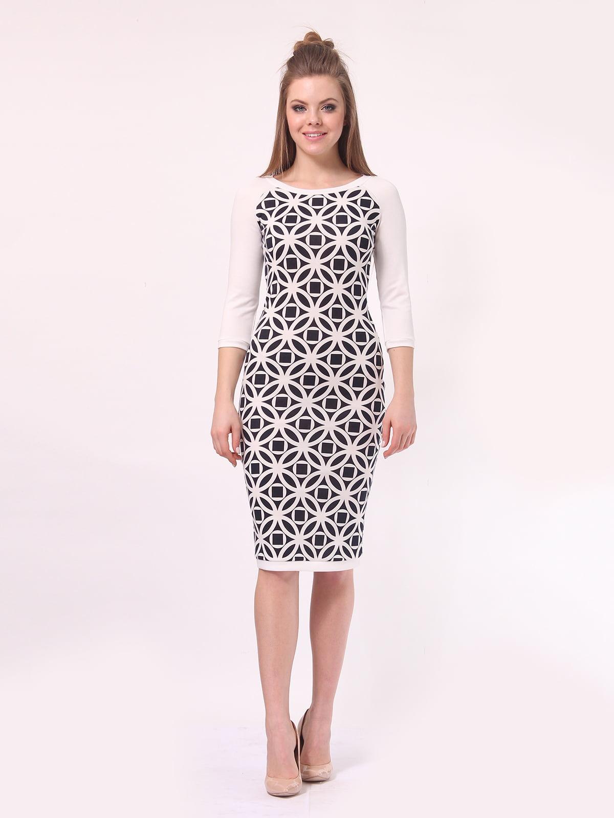 Платье молочного цвета в принт | 4142216 | фото 3