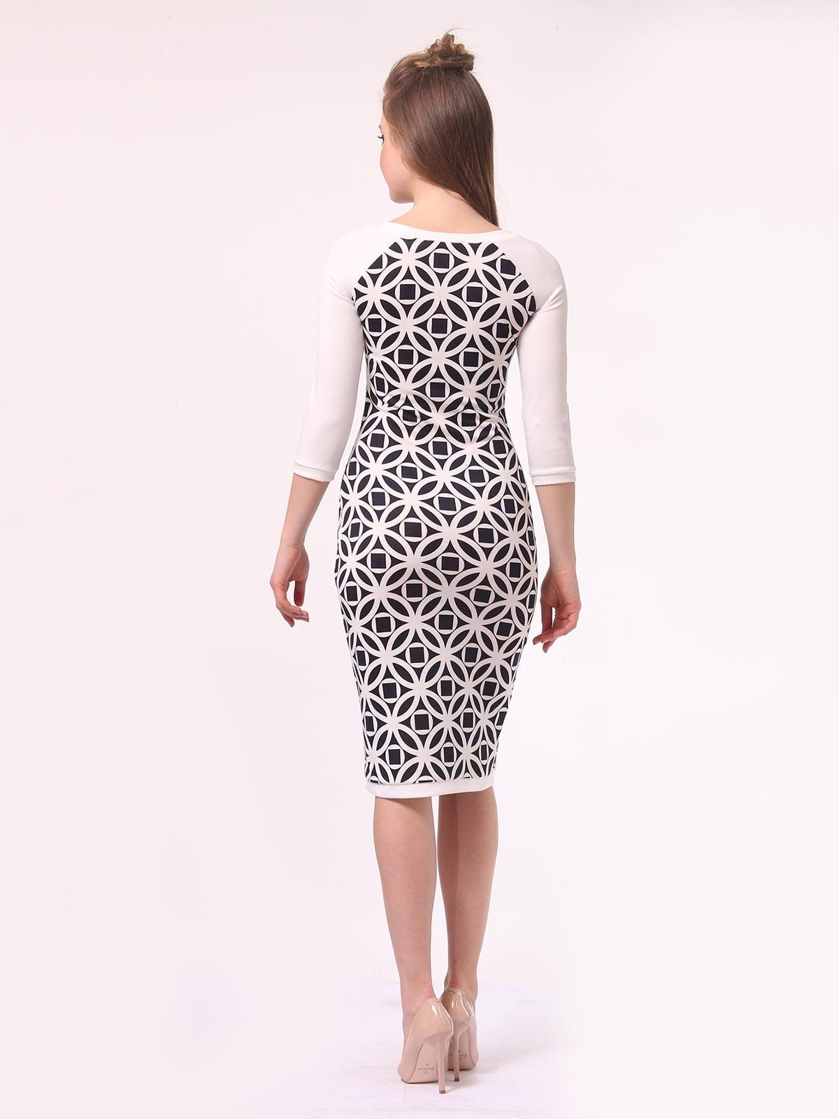 Платье молочного цвета в принт | 4142216 | фото 4