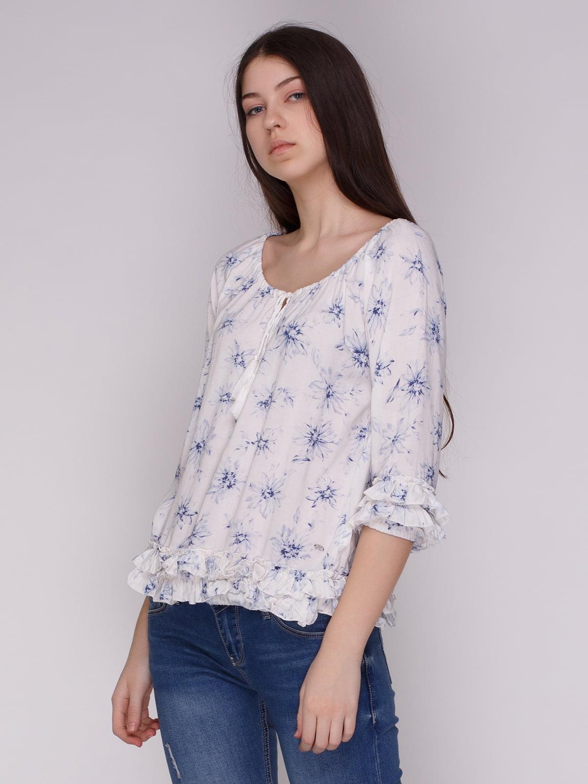 Блуза біла з квітковим принтом | 4088860