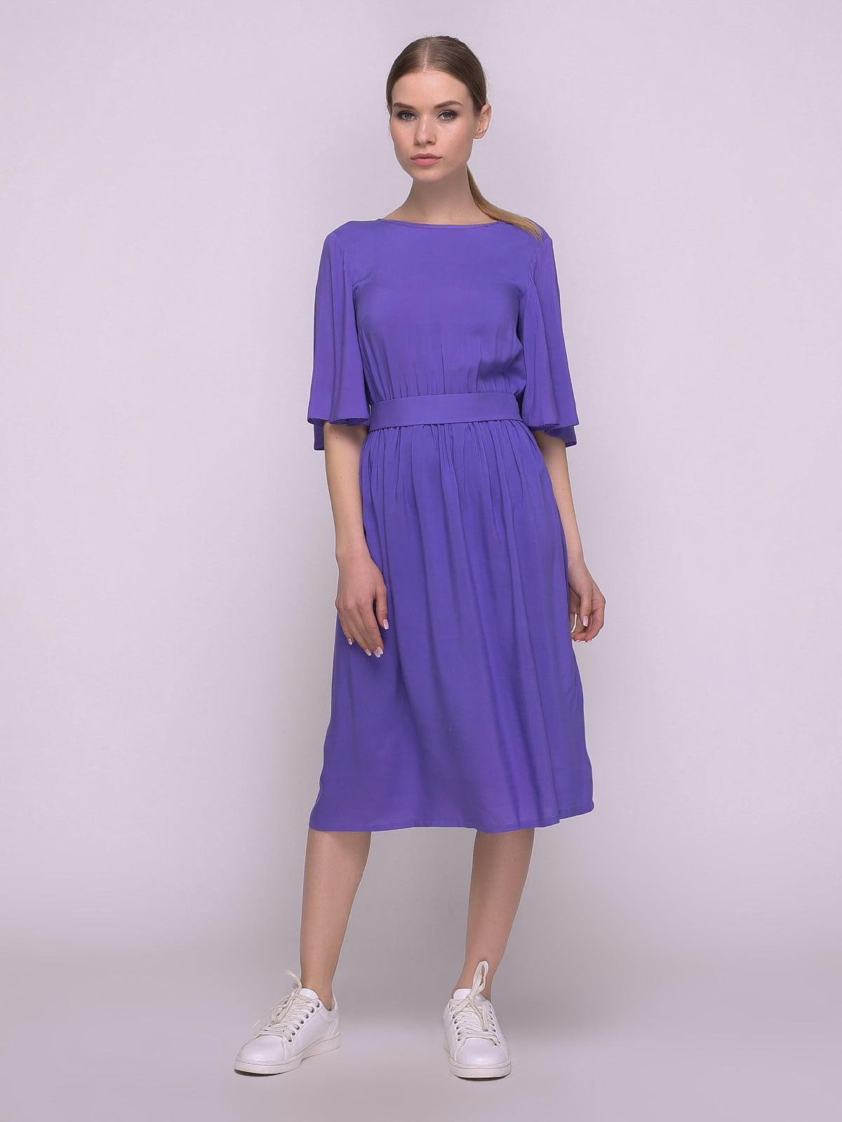 Сукня кольору ультрафіолету з вирізом на спинці | 4169323