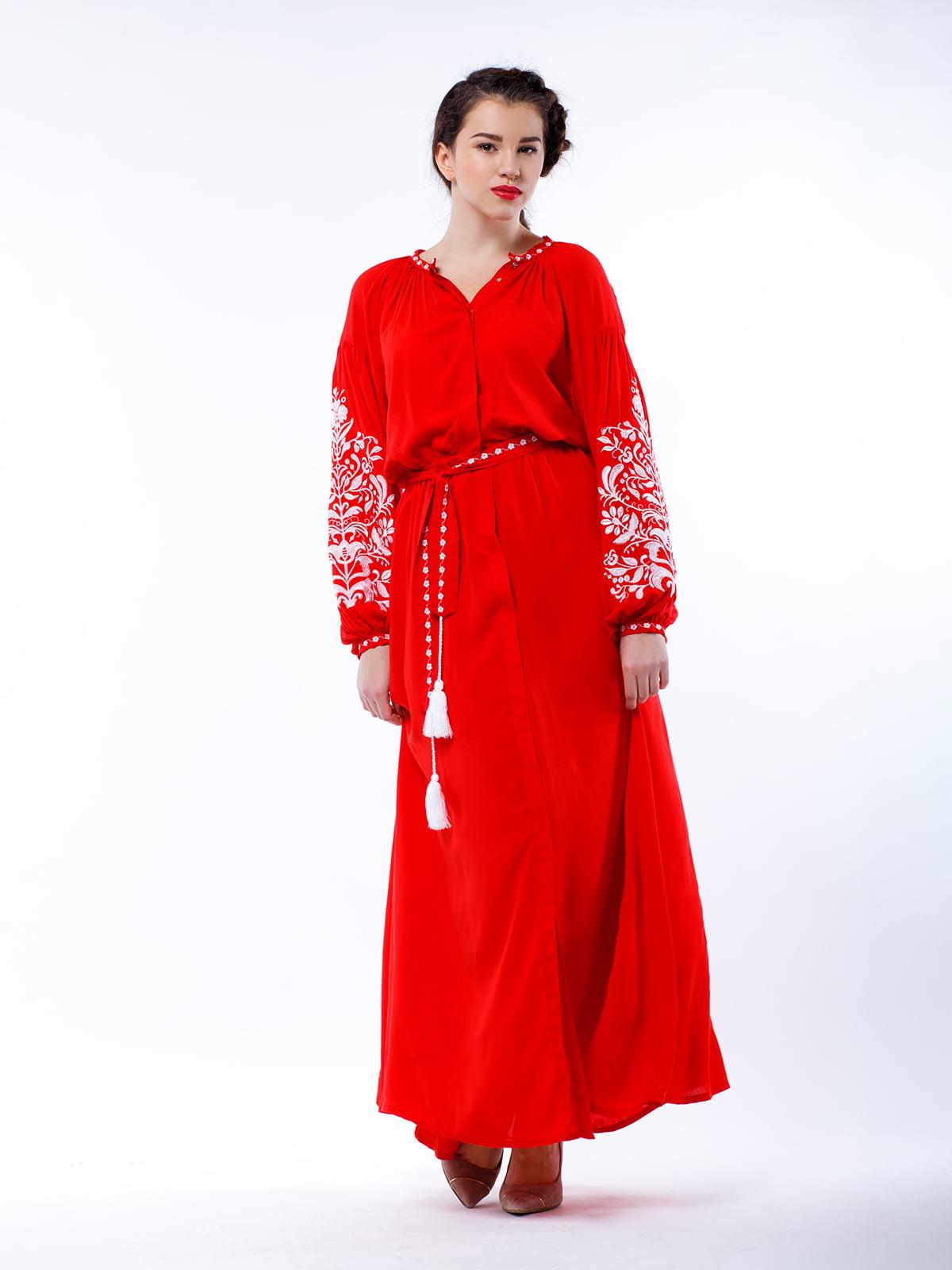 Сукня червона з вишивкою | 4235532