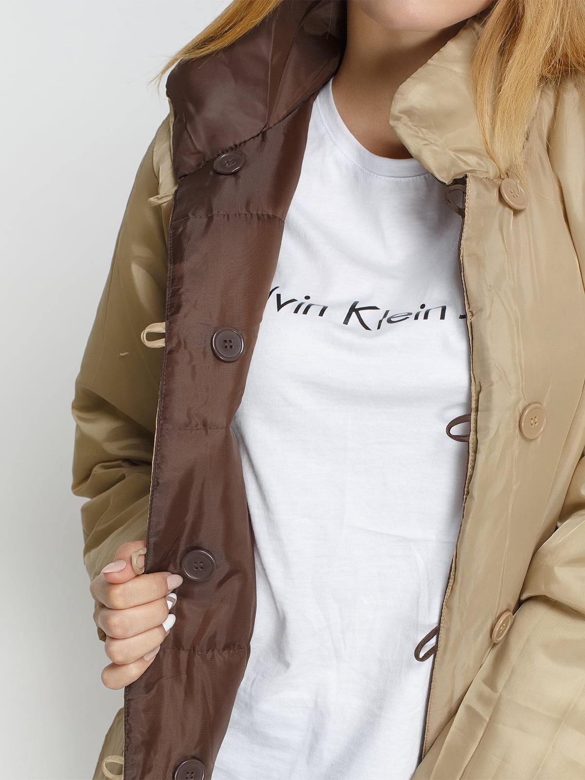 Куртка бежево-коричневая двусторонняя   4327088   фото 5