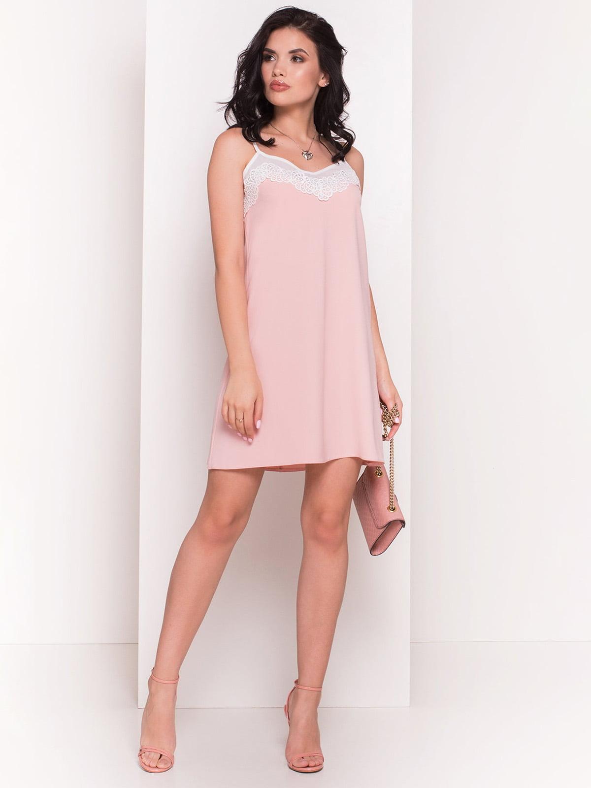 Сукня персикового кольору | 4334380