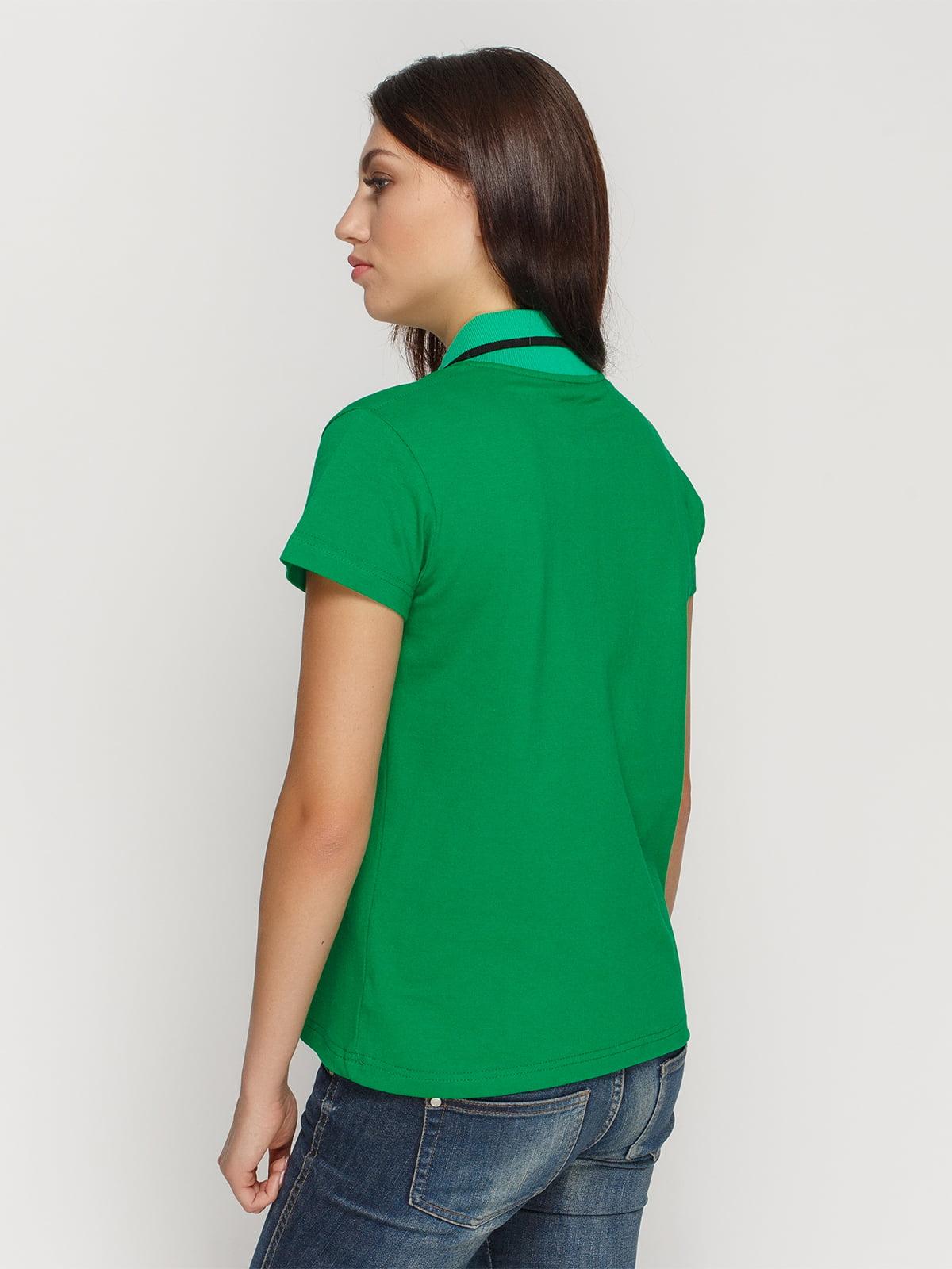 Футболка-поло зеленая с принтом | 4578483 | фото 2