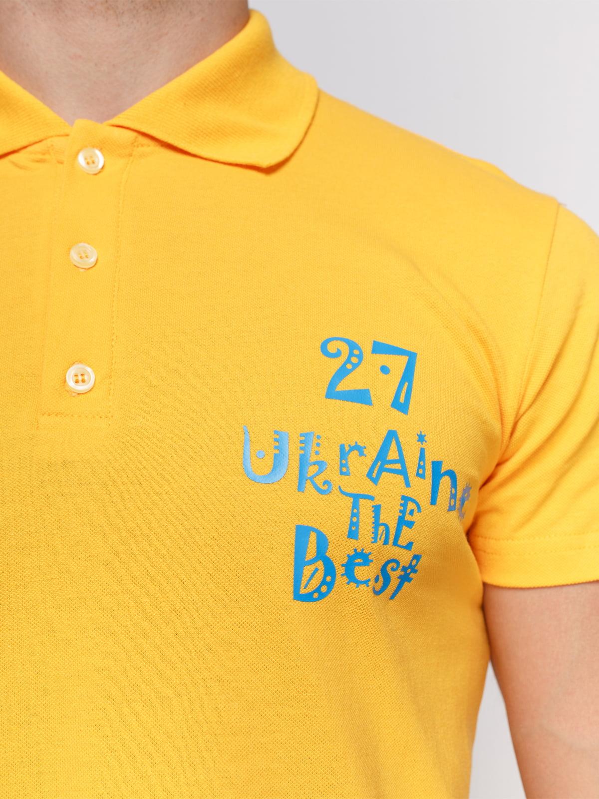 Футболка-поло желтая с принтом | 4578502 | фото 3