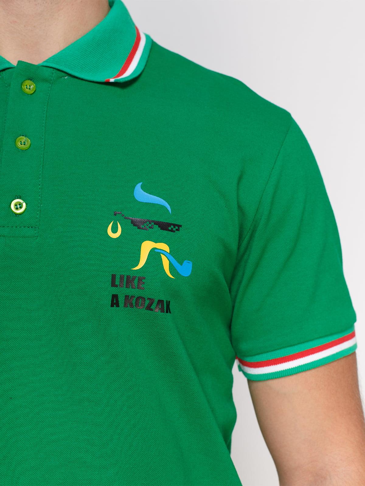 Футболка-поло зелена з принтом   4578474   фото 3