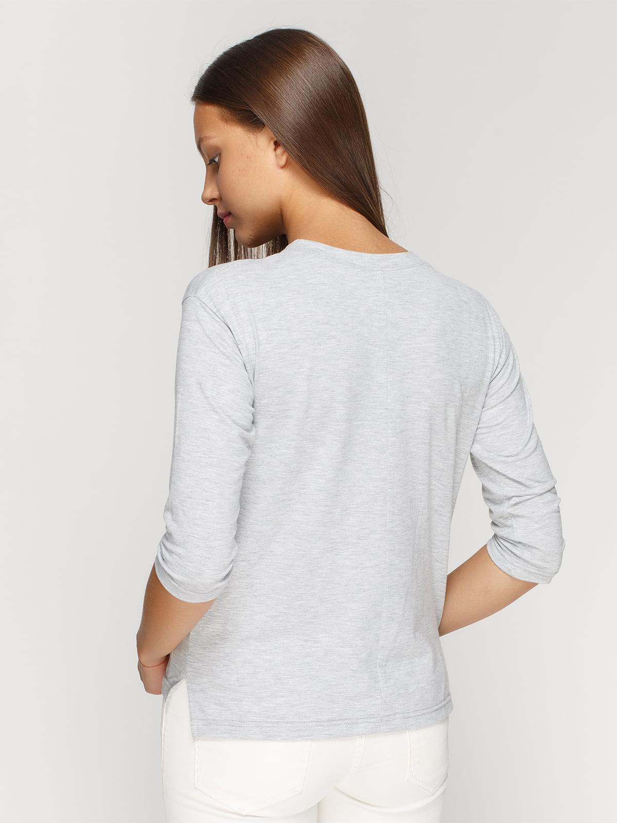 Лонгслив серый меланжевый с принтом | 4578060 | фото 2